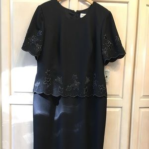NWT Ladies long black short sleeve evening dress